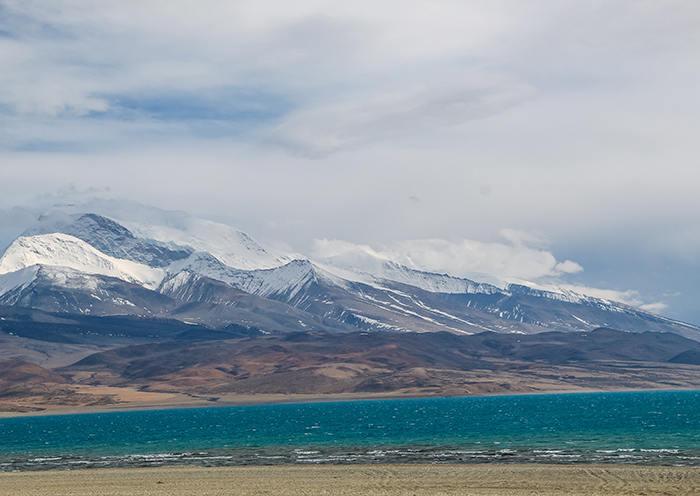 Peaceful Lake Manasarovar