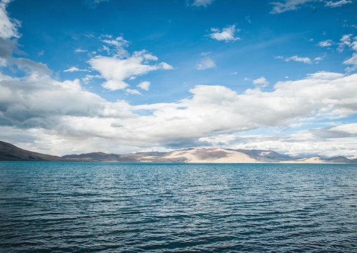 Lake Peikutso in Shigatse