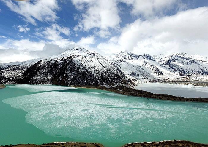 Ranwu Lake in Winter
