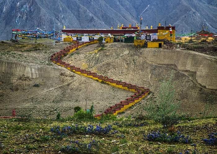 Tombs of Tibetan King in Shannan